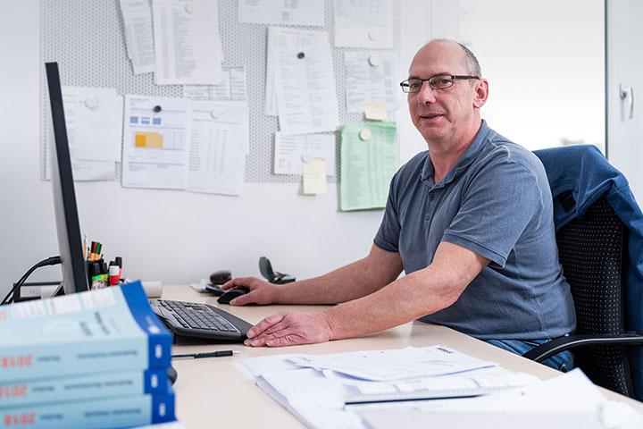 STEFAN KAISER  Bautechniker